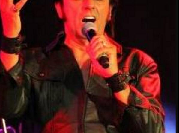 Wayne Curtis (Elvis Tribute Artist)